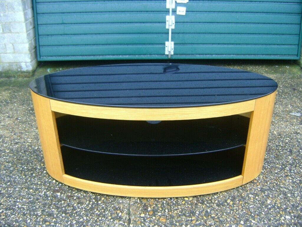 Free Delivery, Used Oval Tv Cabinet, Wooden Construction With Regard To Oval Tv Unit (View 15 of 15)