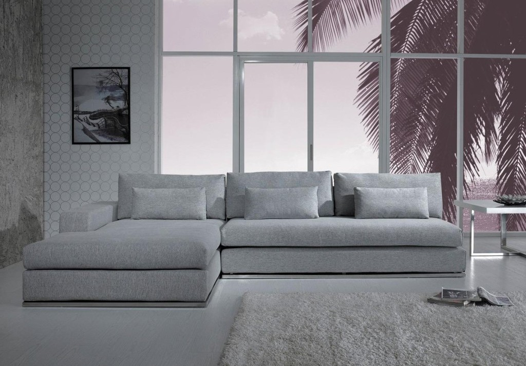 Gray Sectional Sofa With Chaise: Luxurious Furniture Regarding Noa Sectional Sofas With Ottoman Gray (View 11 of 15)