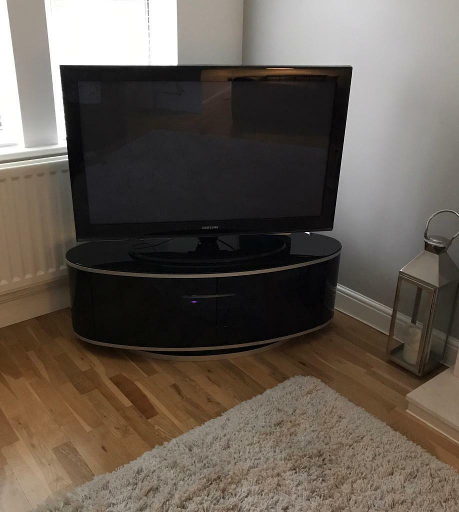 Luna High Gloss Black Oval Tv Cabinet | In Morley, West Throughout White Gloss Oval Tv Stands (View 7 of 15)