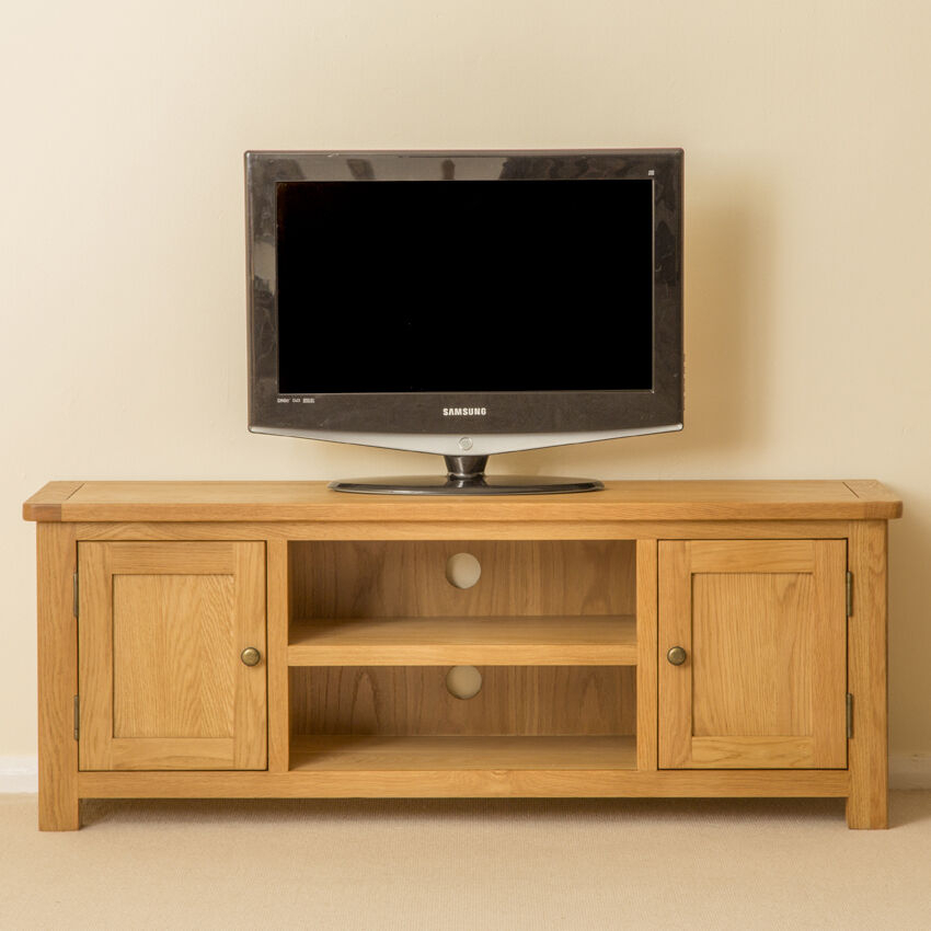 Roseland Oak Large Tv Stand / Two Door Oak Tv Cabinet For Wooden Tv Stands With Doors (View 11 of 15)
