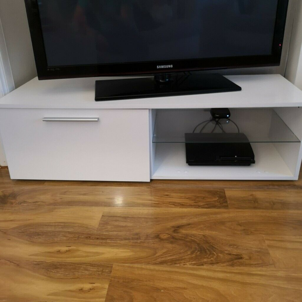 White Gloss Tv Stand | In Lochwinnoch, Renfrewshire | Gumtree Within White Gloss Oval Tv Stands (View 1 of 15)