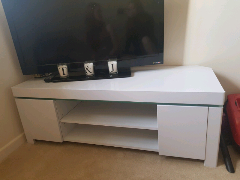 White Gloss Tv Stand | In Willenhall, West Midlands | Gumtree In White Gloss Oval Tv Stands (View 2 of 15)