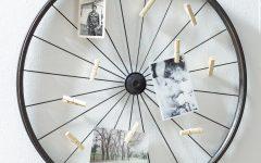 Millanocket Metal Wheel Photo Holder Wall Decor