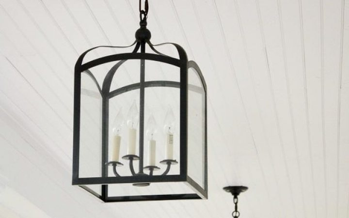 Outdoor Hanging Carriage Lights